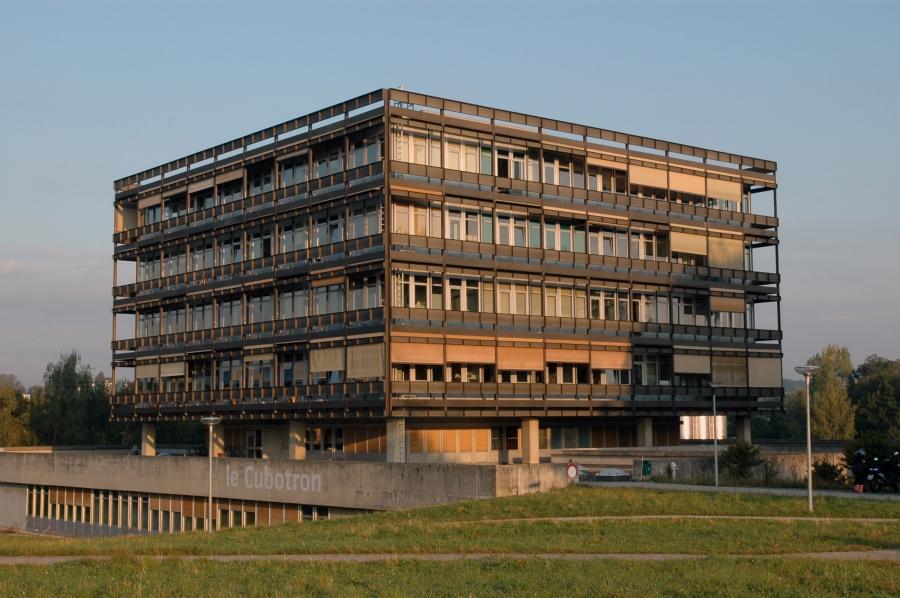 EPFL-UNIL Cubotron